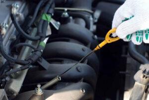 Чем опасен перелив и недолив масла в моторе