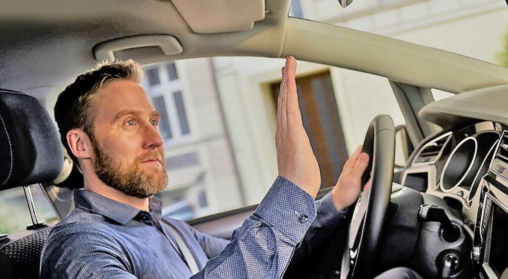 Особенности невербального общения автомобилистов